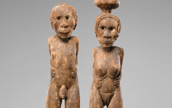 Carved wooden monument from Madagascar – Acceptance of Difference